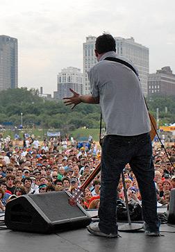 08/06/2006 Q101 Stage Lollapalooza, IL