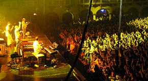 12/30/2005 Aragon Ballroom Chicago, IL